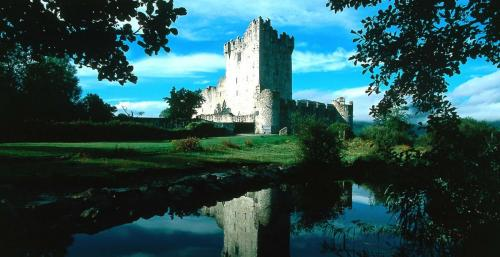 ireland castle tours luxury